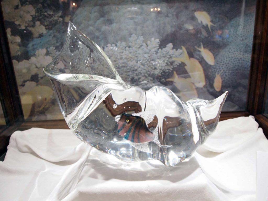 作品貝の中の魚